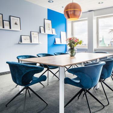 finleap Meetingbereich mit Tisch